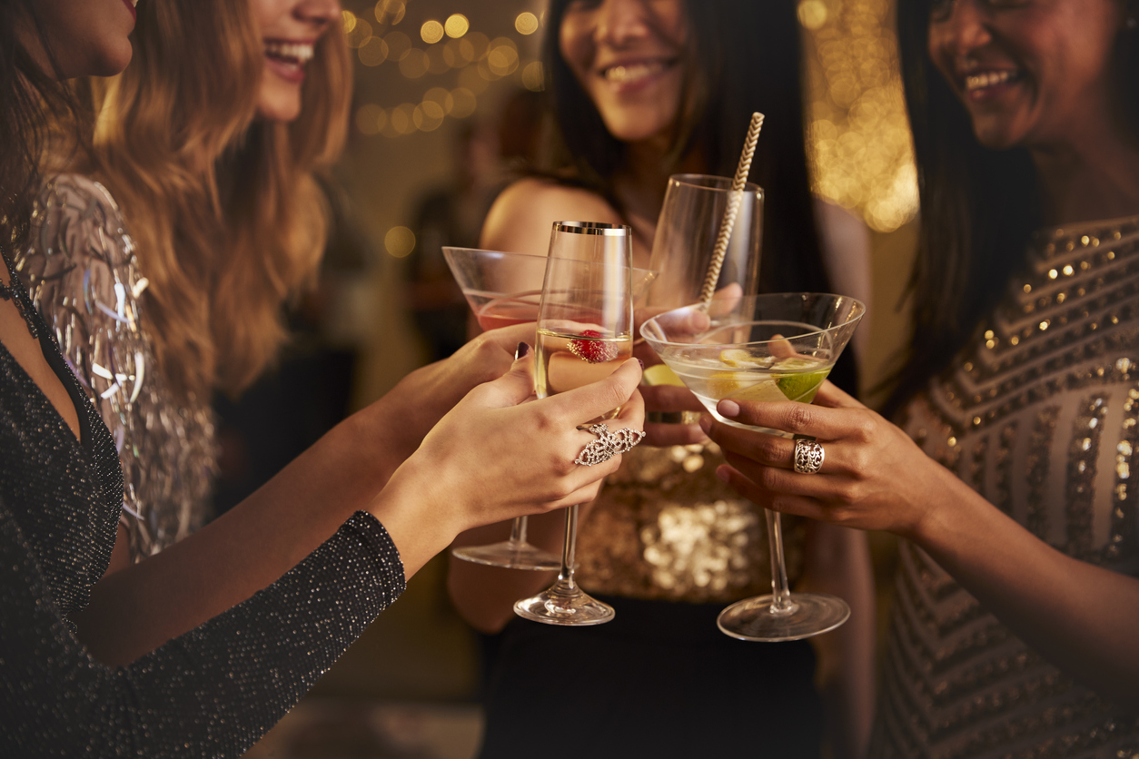How to Host a Successful Cocktail Party